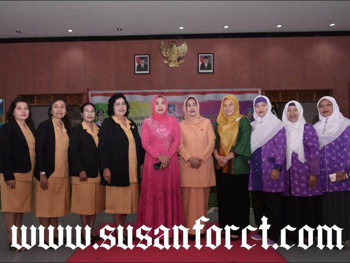 Alasan Mengapa Pemimpin Wanita Harus Berprestasi1